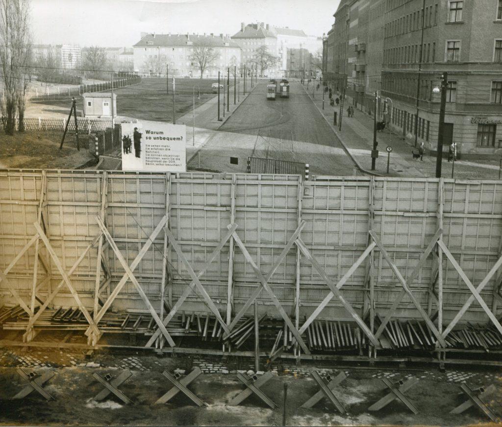 Berlino Est - Muro lungo la Bernauer Strasse